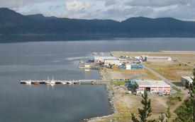 Bukta havn, med Snøhvitkaia og Terminalkaia i bakgrunnen