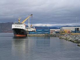 To Nor-Lines båter ved Terminalkaia. Planlagt utvidelse sees foran båten