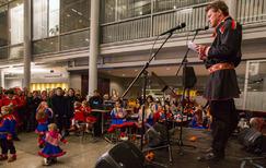 Jens Johan Hjort under offisiell markering av Samefolkets dag. Foto: Mark Ledingham