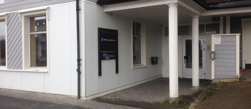 Bilde av lokale Melbu legekontor