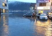 Slik så det ut under i Tromsø i 2011, da høyeste vannstand ble målt.