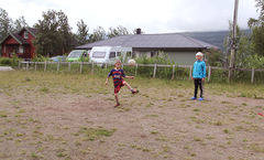 Kronerulling_fotballbane_ingress