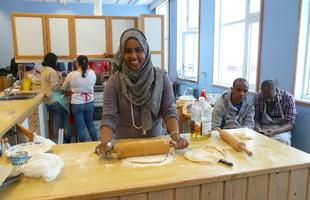 Hani lager somalisk mat.