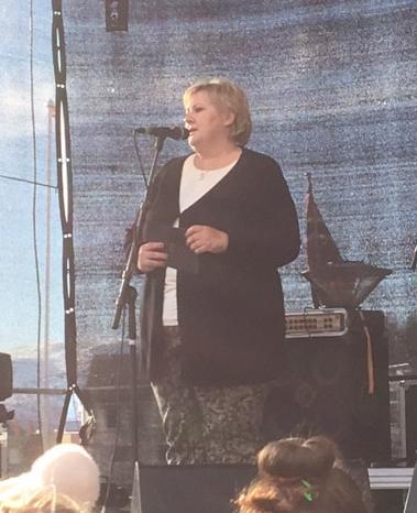 Statsminister Erna Solberg åpner Mikisenteret på Sjøvegan