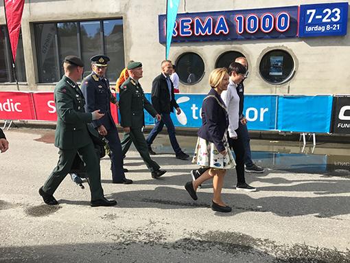 forsvarsminister_i_salangen_BIG.JPG