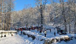 Mange deltok på vinterarrangemenet på Sarabråten. Foto: Steinar Saghaug.