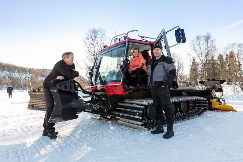Trond Welde, Eli-Jeanette Olsen og Einar Munkvold  i Harstad kommune. Foto: Øivind Arvola