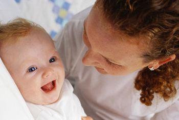 Nybakt mor og barn