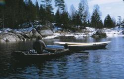 Lambertseterspeiderne frakter materialer til Bøvelstad i 1973
