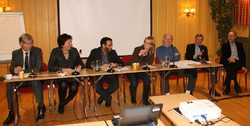 Paneldeltakerne(fv): Ola Elvestuen, Marianne Borgen, Abdullh Alsabeehg, Maren Esmark, Hans Petter Aas, Sigmund Hågvar