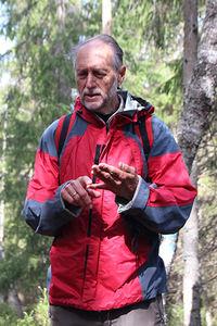Sigmund Hågvar fra ØV orienterer om verneområdet.