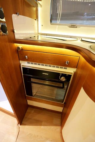 MED DENNE ovenen kan du lage massevis av godsaker til middagen! Foto: KJELL-ERIK KRISTIANSEN
