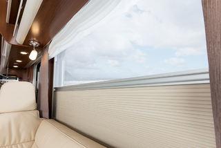MARKISER også på vinduene slik at du kan skjerme når du vil.