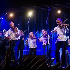 Sør-Fron spelmannslag - Meisterkonsert - 01 - Foto Thor Hauknes