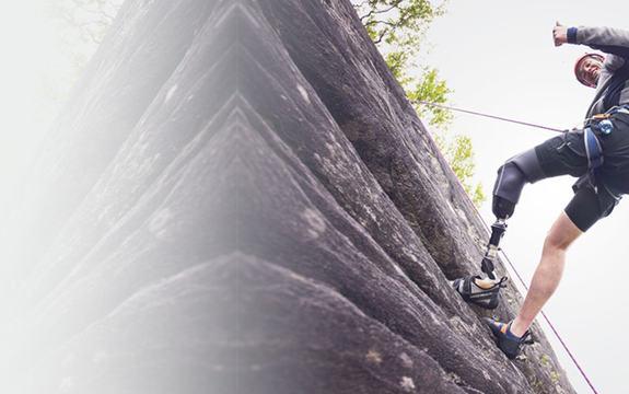 Arctivity 2015. Bilde av klatrer med benprotese