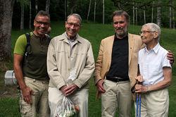 Familien Ekanger har veldig mye av æren for at det fortsatt blir arrangert minnestunder ved Milorg-bautaen. Fra venstre: Svein, Kai, Ivar og Kari.