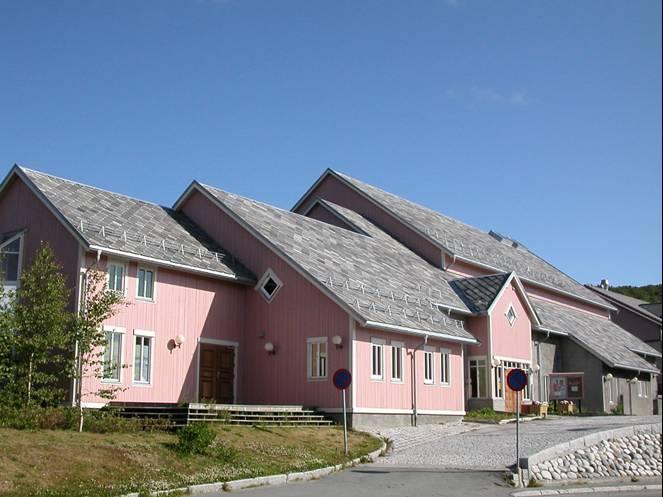 Skjervøy bibliotek sommer.jpg