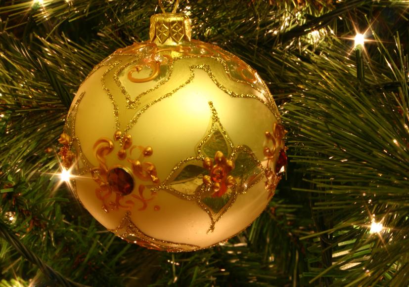 Christmas_tree_bauble.jpg