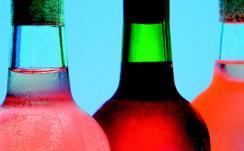 Illustrasjonsbilde av flasker med ulikt innhold