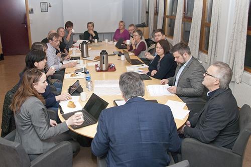 Bilde av arbeidsutvalget i møte
