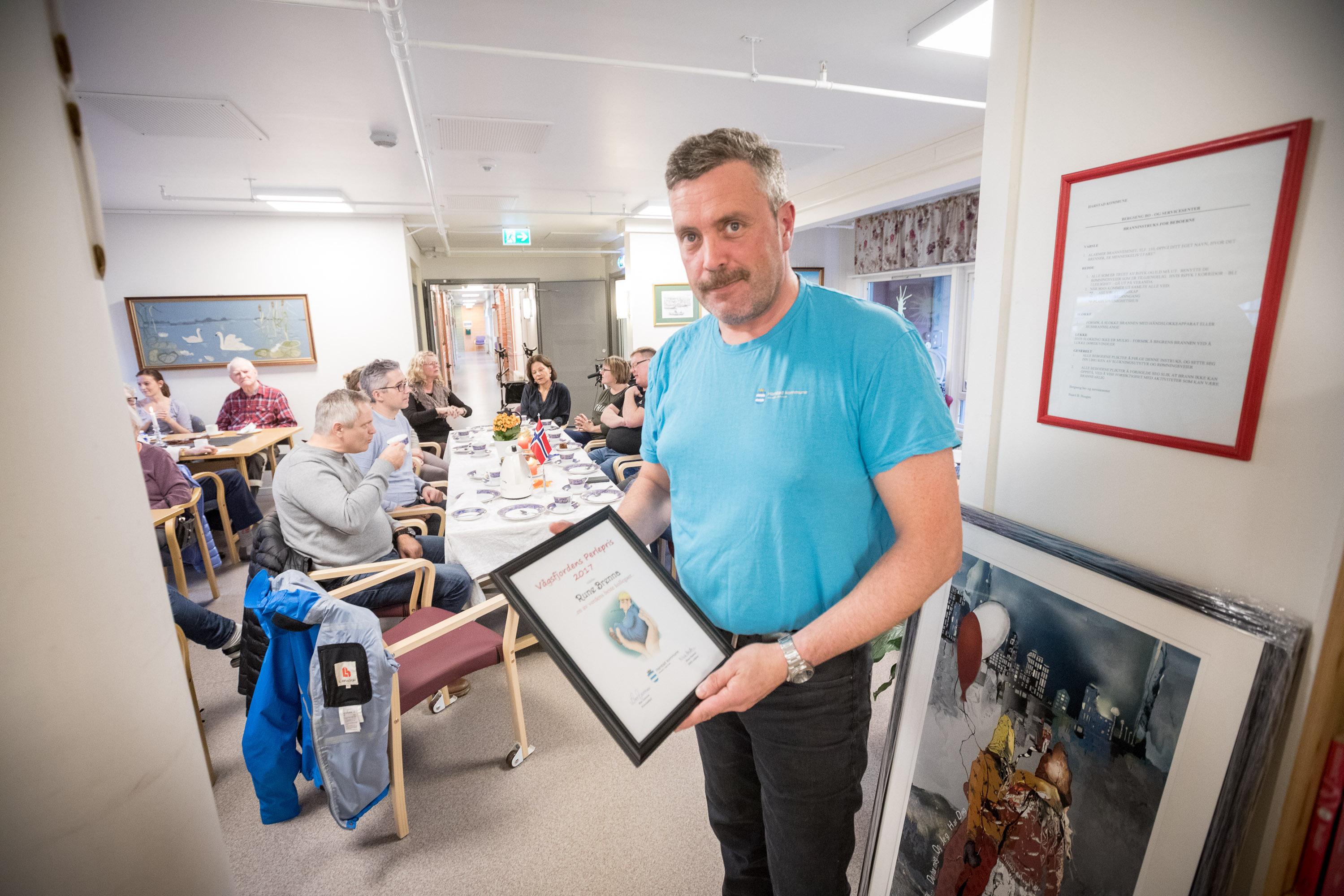 Vaagsfjordens perlepris ble delt ut til Rune Brenna. Foto: Øivind Arvola