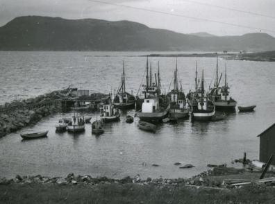 Storekorsnes havn med molo ca år 1940