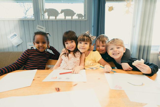 Barn ved Hagebyen barnehage i Harstad. Foto: Øivind Arvola
