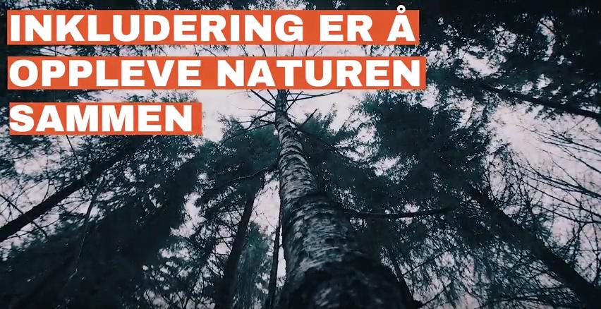 Bilde fra en film som heter inkludering er å oppleve naturen sammen