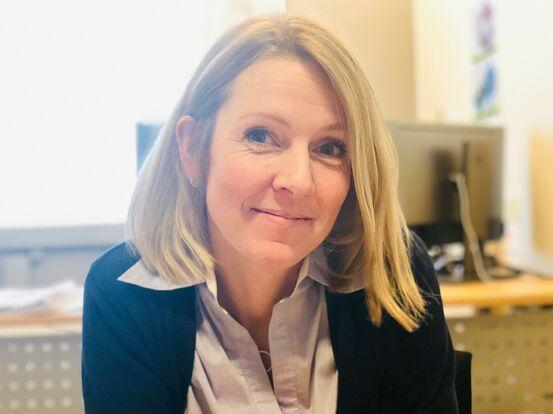 Monica Larssen har jobbet i kommunen siden 2006. Nå skal hun lede digitaliseringsarbeidet. Foto: Øivind Arvola