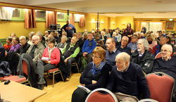 Møtesalen på Skullerudstua var full av folk som kom for å delta på årsmøtet.