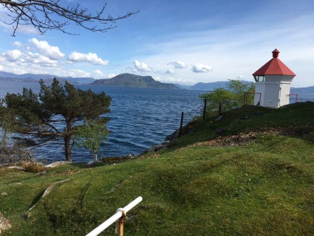 Fyrlykt ved Leirvik fyrstasjon