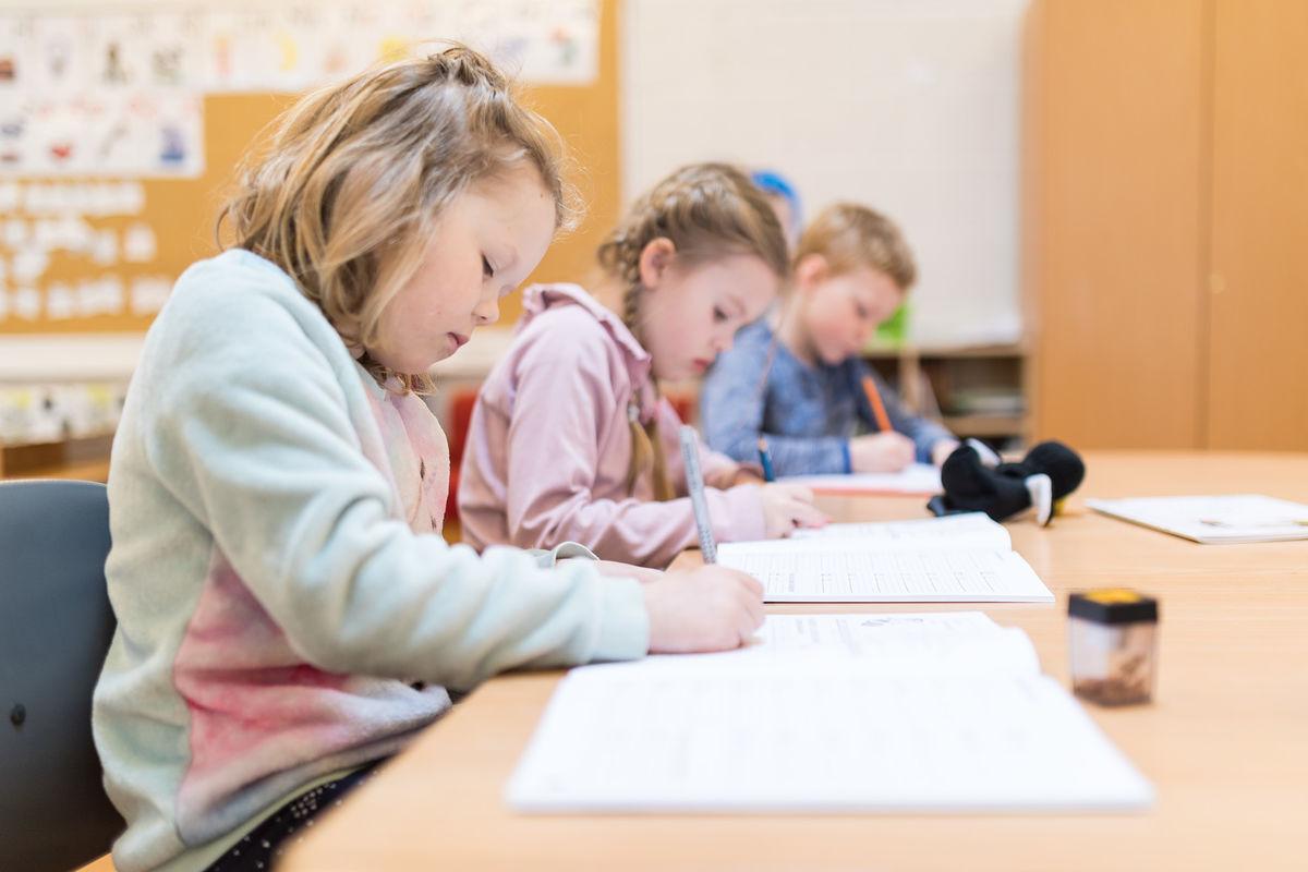 Elever ved Medkila skole. Foto: Øivind Arvola
