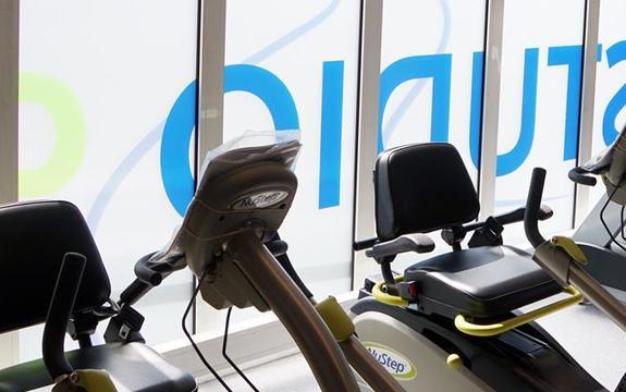 Bilde fra treningsstudioet Studio 99 som viser treningsapparater
