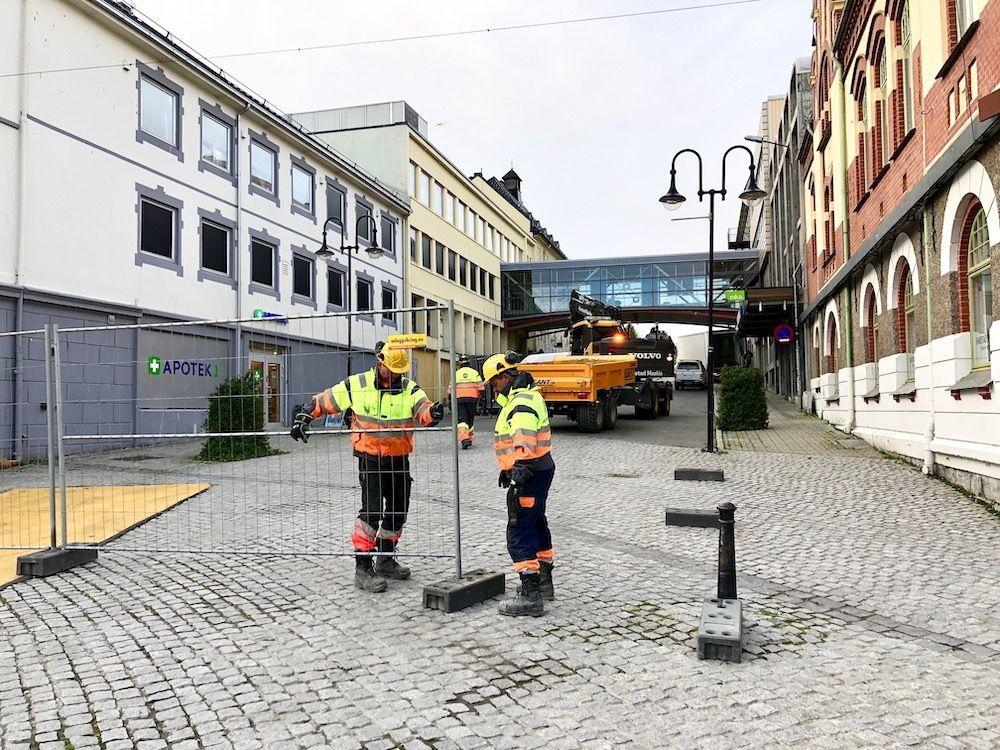 I denne gaten skal Harstad maskin starte arbeidene. Det skal først graves for fjernvarme og nettkabler. Foto: Øivind Arvola