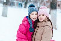 To jenter vinter