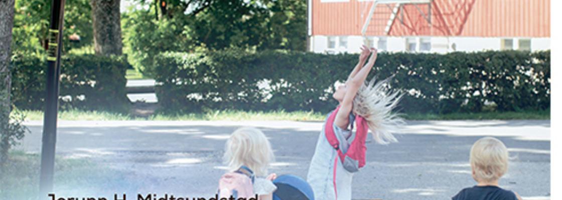 Omslagsbilde til boka Lokal skoleutvikling – Sammenhengen mellom sted, roller og undervisning