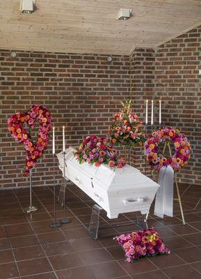 Img3301 annemariesblomster,begravelse,krans,hjerte
