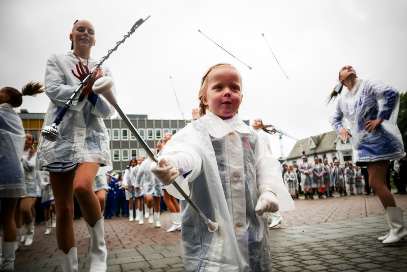 Dagens yngste drillpike fra Harstad skoles musikkorps.