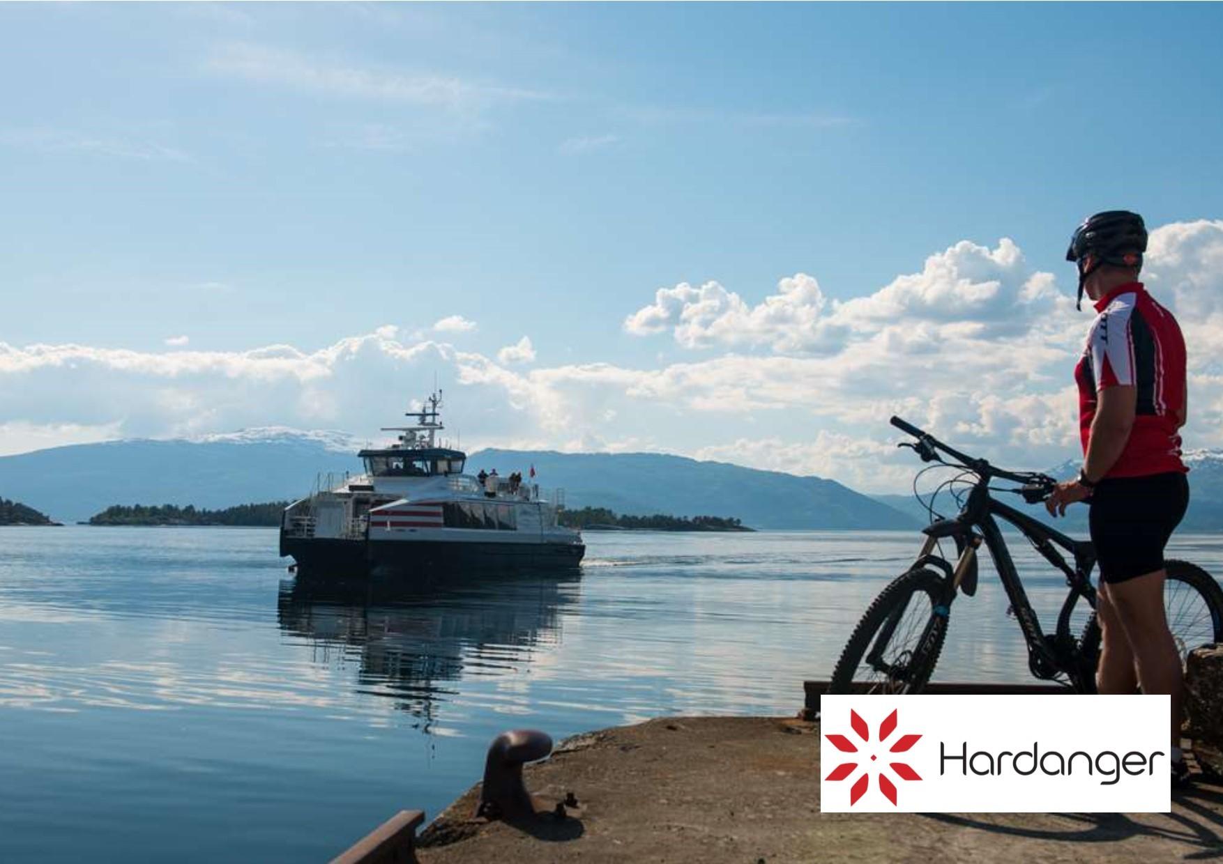 Hurtigbåt med logo.jpg