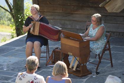 Inger Elisabeth Aarvik og Rannveig Djønne Foto Aasmund Aarvik
