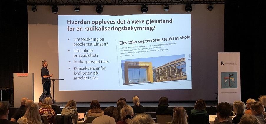 Erik Lindbæk Kruse har undersøkt hvordan det er for ungdom som blir undersøkt ut fra bekymringsmelding om radikalisering.