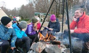 Rundt bålet på Burøya