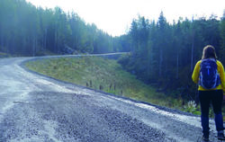Alvorlig sak i 2019: Veien opp mot Marikollen i Rælingen er anlagt med store avvik fra bestemmelsene i reguleringsplanen som er stadfestet av Klima- og miljødepartementet. Foto: ØV.