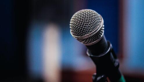 Mikrofon Bilde av Gezer Amorim fra Pexels
