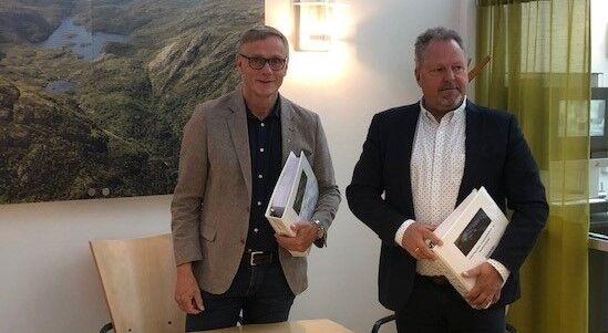 Rådmann Magnus Mjør og dagleg leiar Terje Lindstrøm i GL prosjektservice AS.