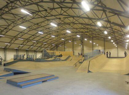 Flipside skateparks hall er på 2500m2.