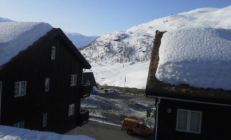 to hus - hytte ved sidan av kvarandre