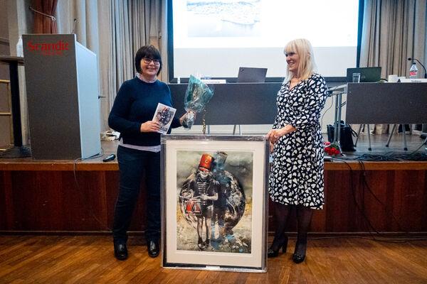 Helene Øfeldt Trælvik (t.v) og ordfører Kari-Anne Opsal. Foto: Øivind Arvola
