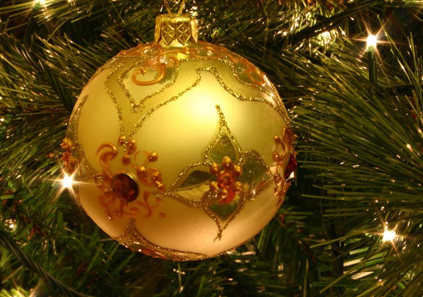 Christmas tree bauble[ 1]