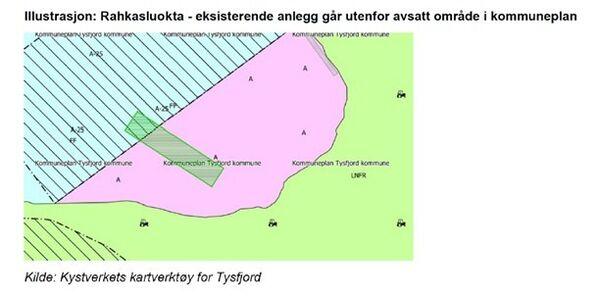 Rahkasluokta - eksisterende anlegg går utenfor avsatt område i kommuneplan. Illustrasjon: Kystverkets kartverktøy for Tysfjord